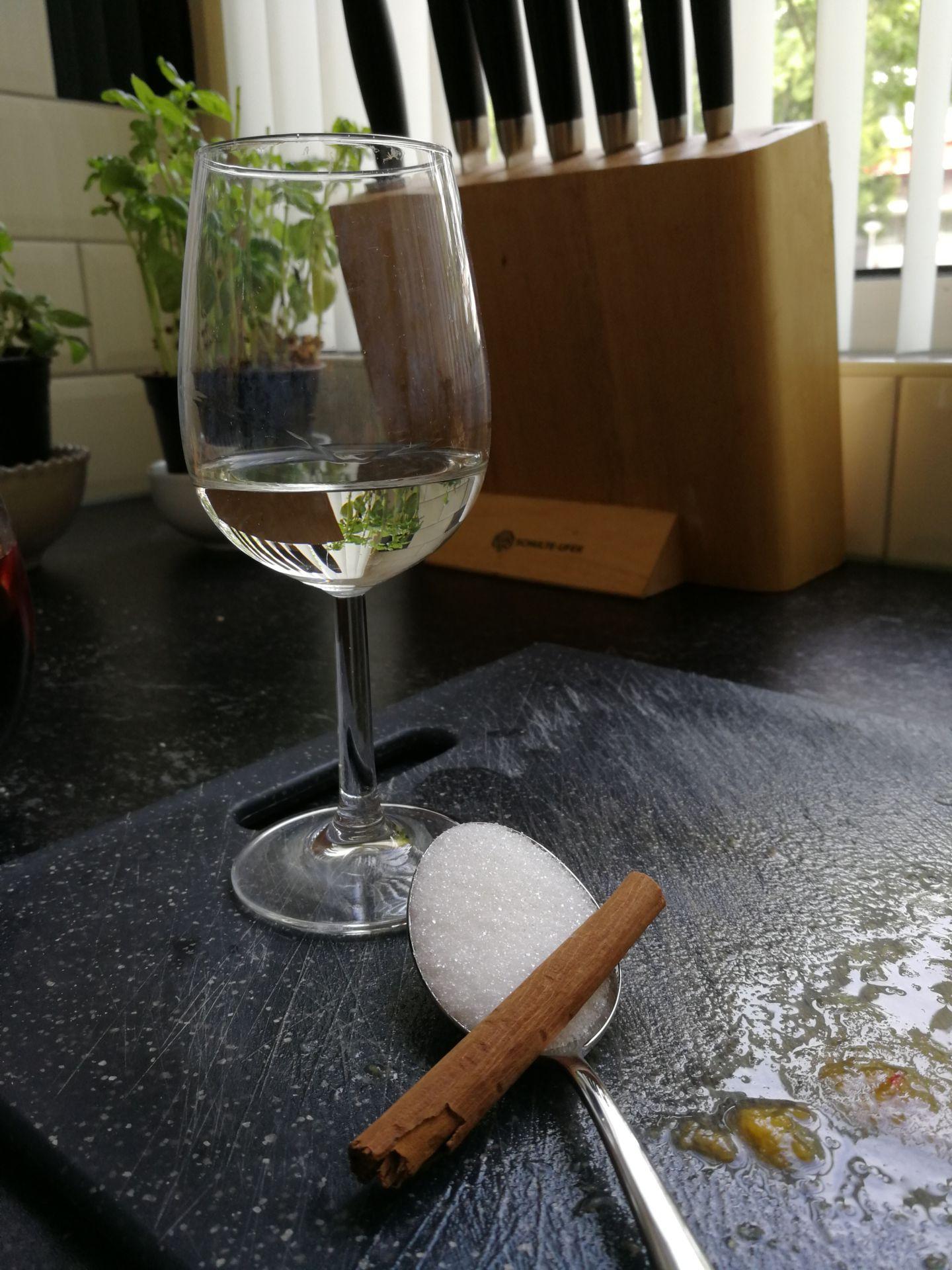Sangría ingredienten Cointreau suiker kaneel