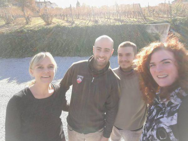 Wijndivas Heskia en Kim met de knappe mannen van Bovio